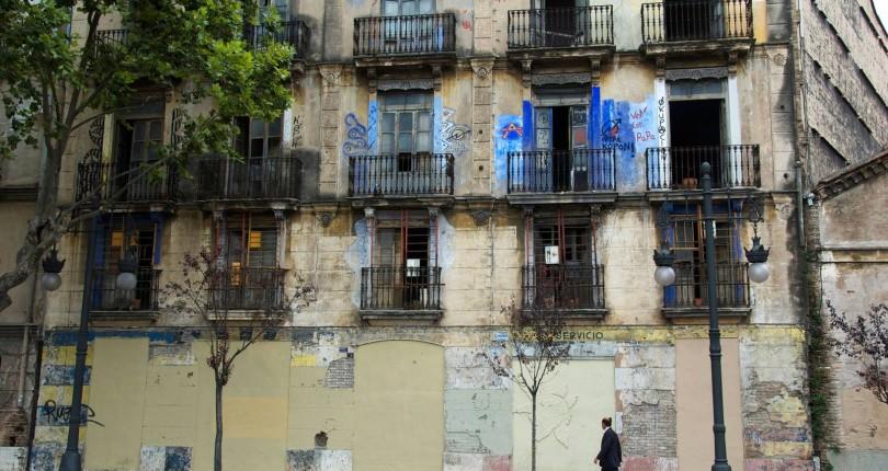 LES CAMBRES DE LA PROPIETAT DE CATALUNYA DAVANT LES OCUPACIONS IL LEGALS D'HABITATGES